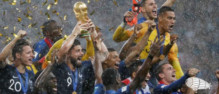2018 FIFA DÜNYA KUPASI ŞAMPİYONU: FRANSA!
